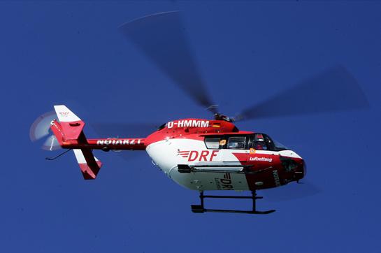 201310 DRF Luftrettung Bremen BK 117 im Flug